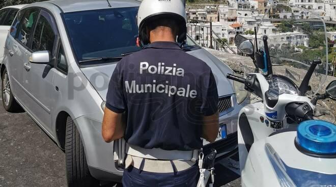 positano controlli a tappeto polizia municipale