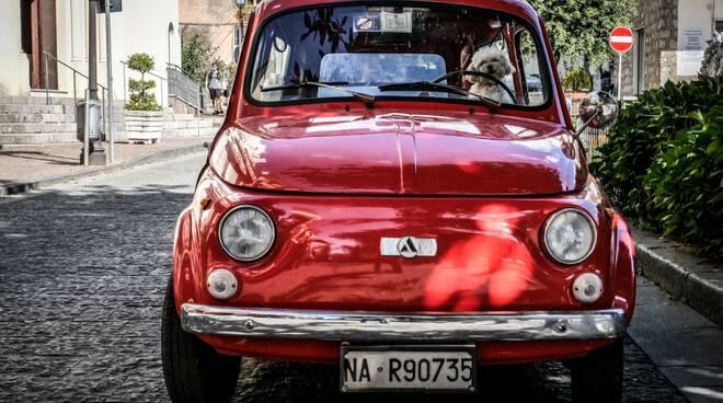 """Agerola sui Sentieri degli Dei ospita fino al 23 agosto la mostra """"L'Italia che ci guarda"""""""