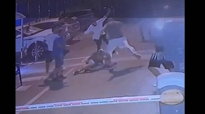 Aggressione a Castellammare di parcheggiatore