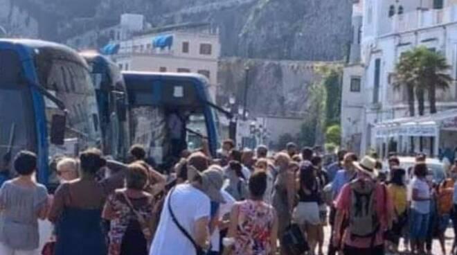 Amalfi SITA presa d'assalto