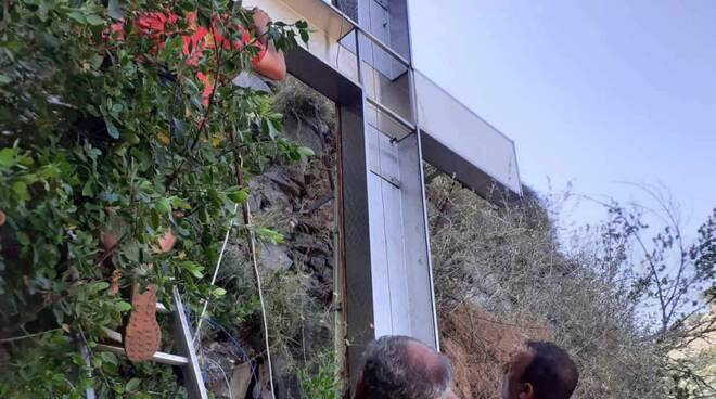 Atrani, la croce sul Monte Aureo torna a risplendere