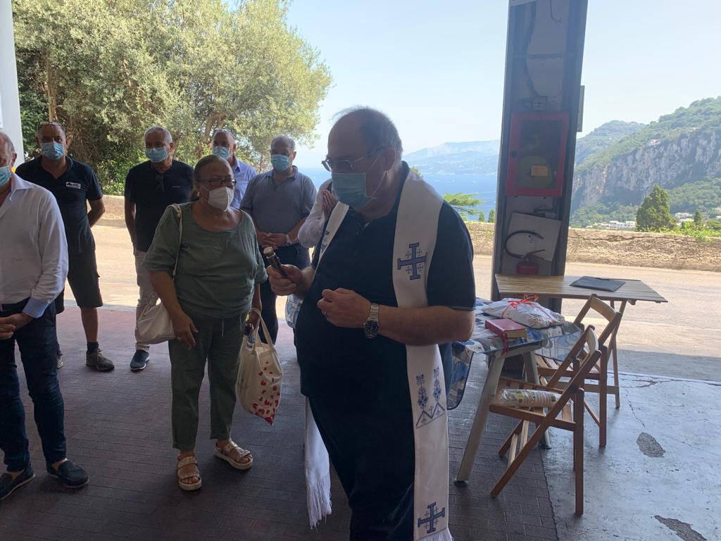 Capri. Inaugurati tre nuovi pulmini, da Ferragosto in servizio sulle strade dell'isola