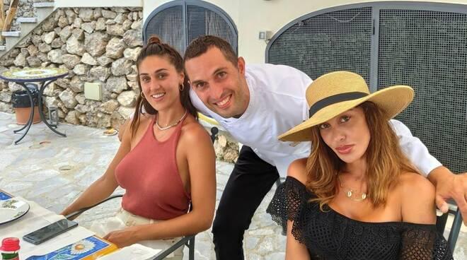 Continuano le vacanze in Costiera per le sorelle Rodriguez: Belen e Cecilia a Ravello