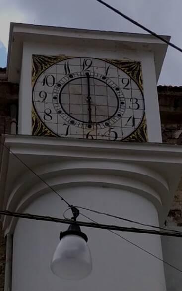 Evento storico a Meta. Di nuovo in funzione l'orologio di Santa Lucia, simbolo di ripartenza