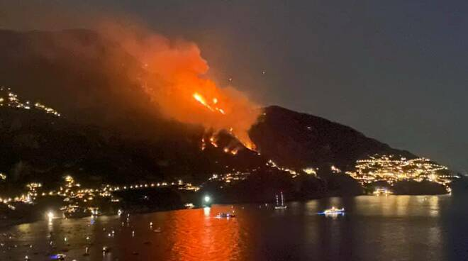 Incendio fra Agerola Positano e Praiano