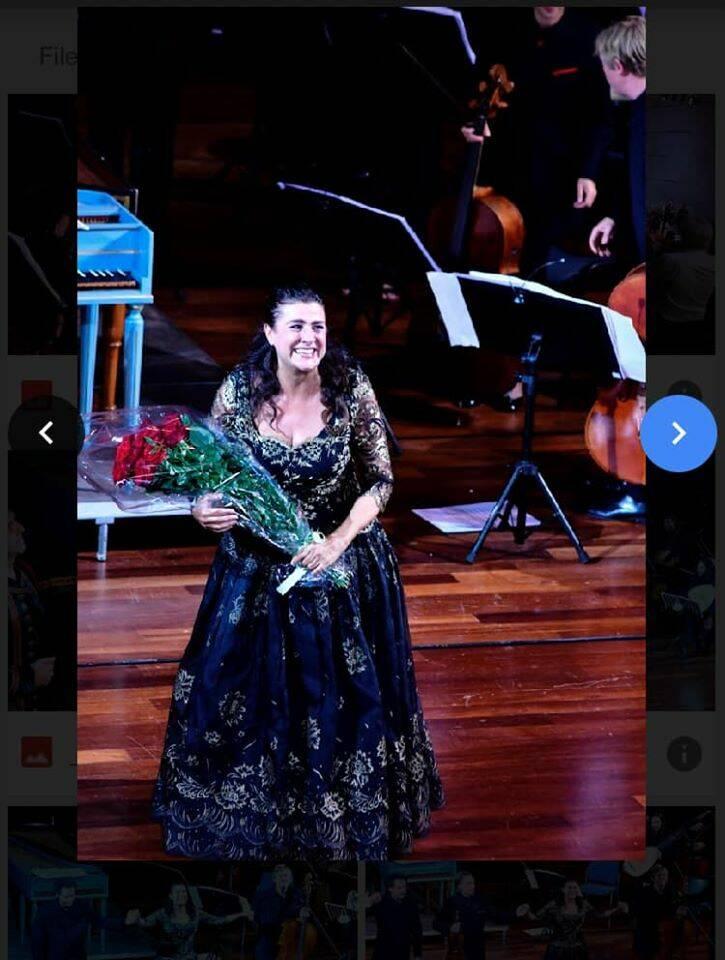 L'inno alla gioia di Cecilia Bartoli incanta il Ravello Festival. Ad applaudirla anche Catherine Deneuve