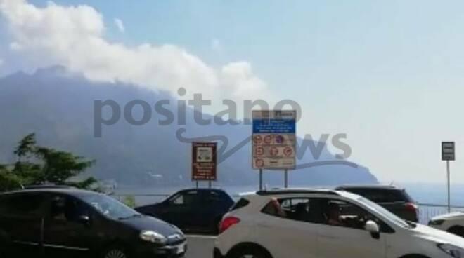Ravello. Traffico bloccato al bivio di Castiglione
