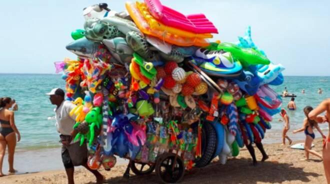venditore ambulante spiaggia