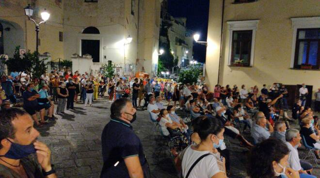 Amalfi comizio Liberi