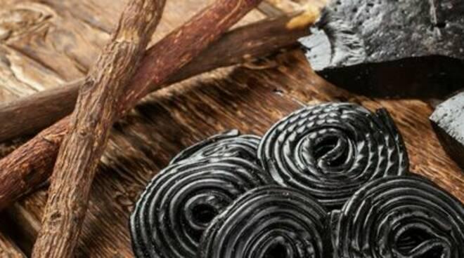 Liquirizia, uomo di 54 anni morto: ne mangiava una confezione e mezzo al giorno
