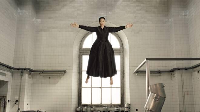 "Marina Abramović in mostra a Napoli con ""The Kitchen"", opera dedicata a Santa Teresa d'Avila"
