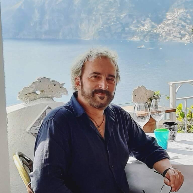 Costiera Amalfitana. Tony Tammaro tra Praiano e Positano per il premio No-bel