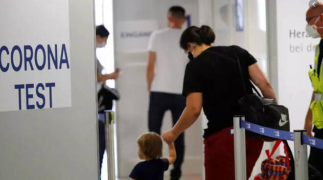 Covid, Ricciardi: «Lazio e Campania a rischio lockdown». Oms: mondo verso 2 milioni di morti