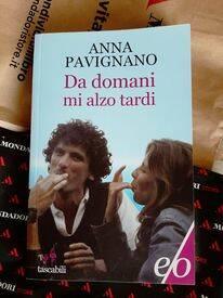"""""""Da domani mi alzo tardi"""", il libro su Massimo Troisi, di Anna Pavignano"""