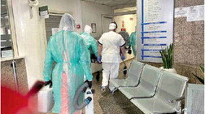 Eboli. «Pieni di casi Covid»