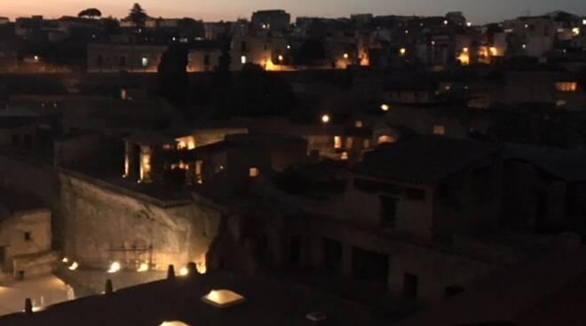 Ercolano, il Parco Archeologico raddoppia le serate tra tableaux vivants, luci e videomapping