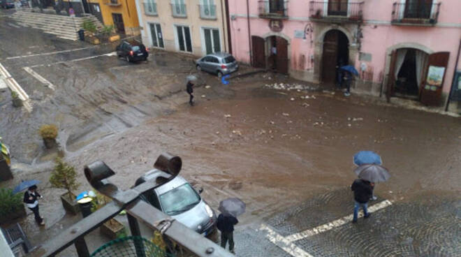 famiglie evacuate sarno