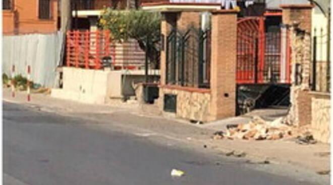 Follia nella notte a Santa Maria la Carità: in due investono un carabiniere, arrestati