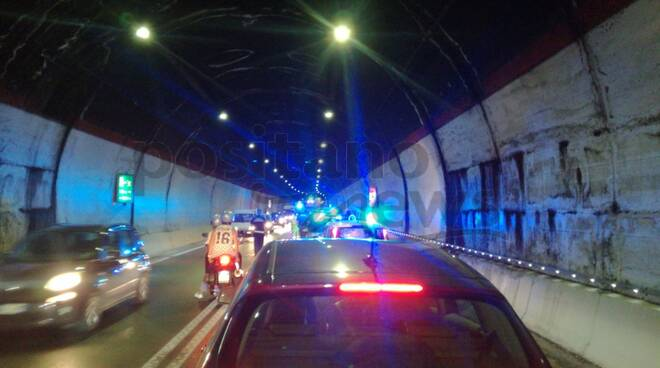 incidente galleria e traffico per sorrento