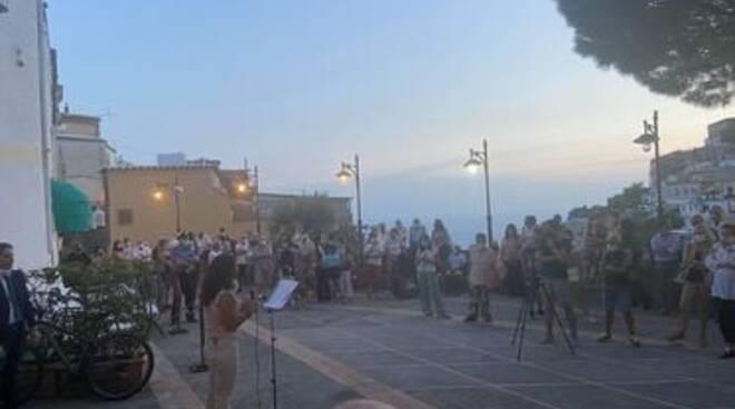 Positano comizio Alba della Libertà a Montepertuso