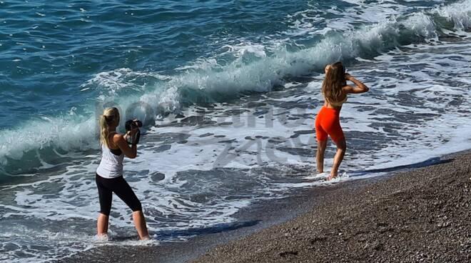 Positano. Dopo il maltempo si torna al mare: la ripartenza con uno shooting fotografico