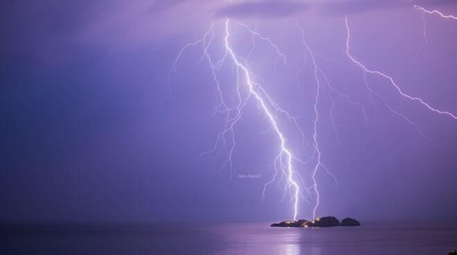 Positano fulmini Isola de Li Galli