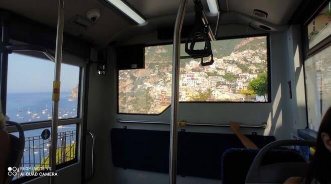 Praiano il paonorma dal bus Mobility Amalfi Coast