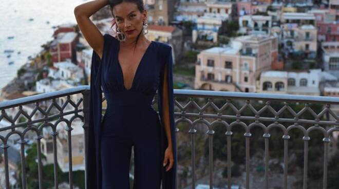 Relax a Positano anche per la youtuber Eleonora Petrella
