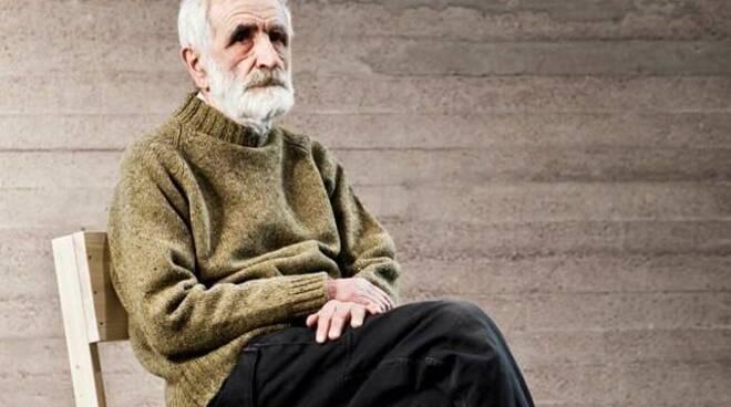 Addio ad Enzo Mari, il maestro del design internazionale