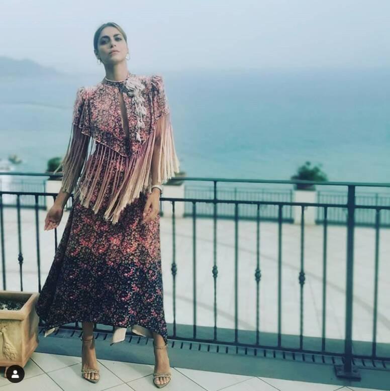 Anche Miriam Leone in Costiera Amalfitana: meravigliosa tra i vigneti dei Giardini del Fuenti