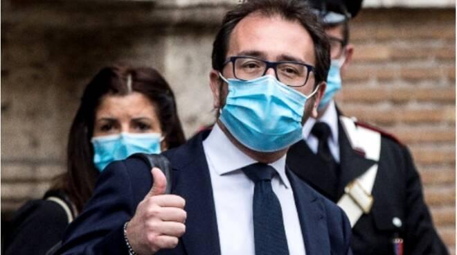 Esame di avvocati appello al ministro Alfonso Bonafede