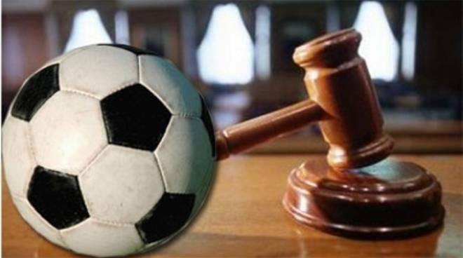 Ora è ufficiale: La decisione su Juve - Napoli è rinviata dal giudice sportivo.