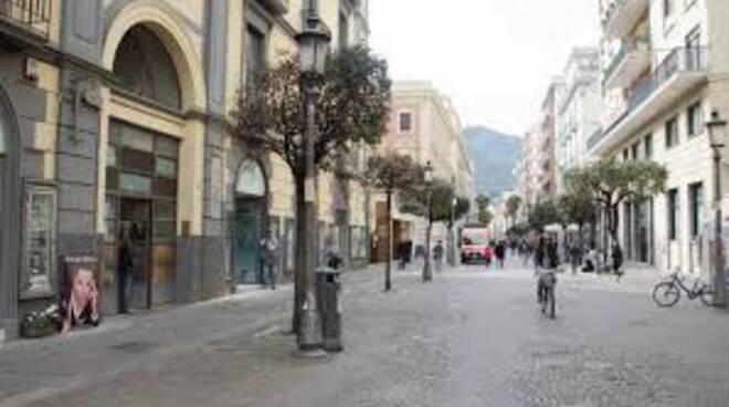 Salerno commercianti furiosi criticano scelte della regione e del governo