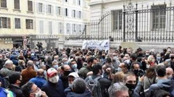 Francia protesta ristoratori lockdown