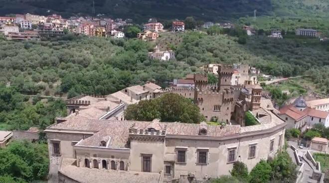 Mini lockdown a Lauro (AV), in Irpinia 3 morti per covid e scuole chiuse