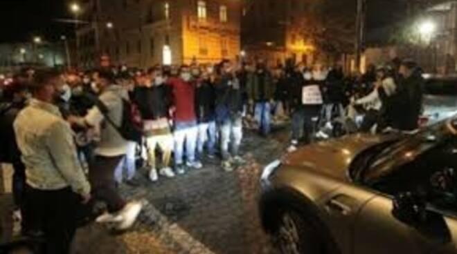 Protesta anti lockdown a Napoli
