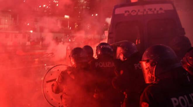 proteste da Milano a Torino fino a Palermo