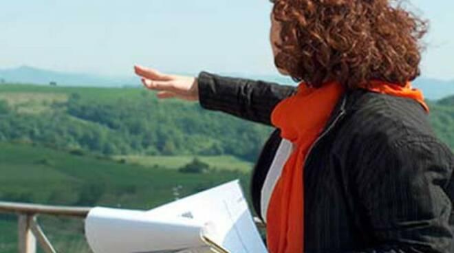 Regione Campania, bonus a favore di accompagnatori, guide turistiche