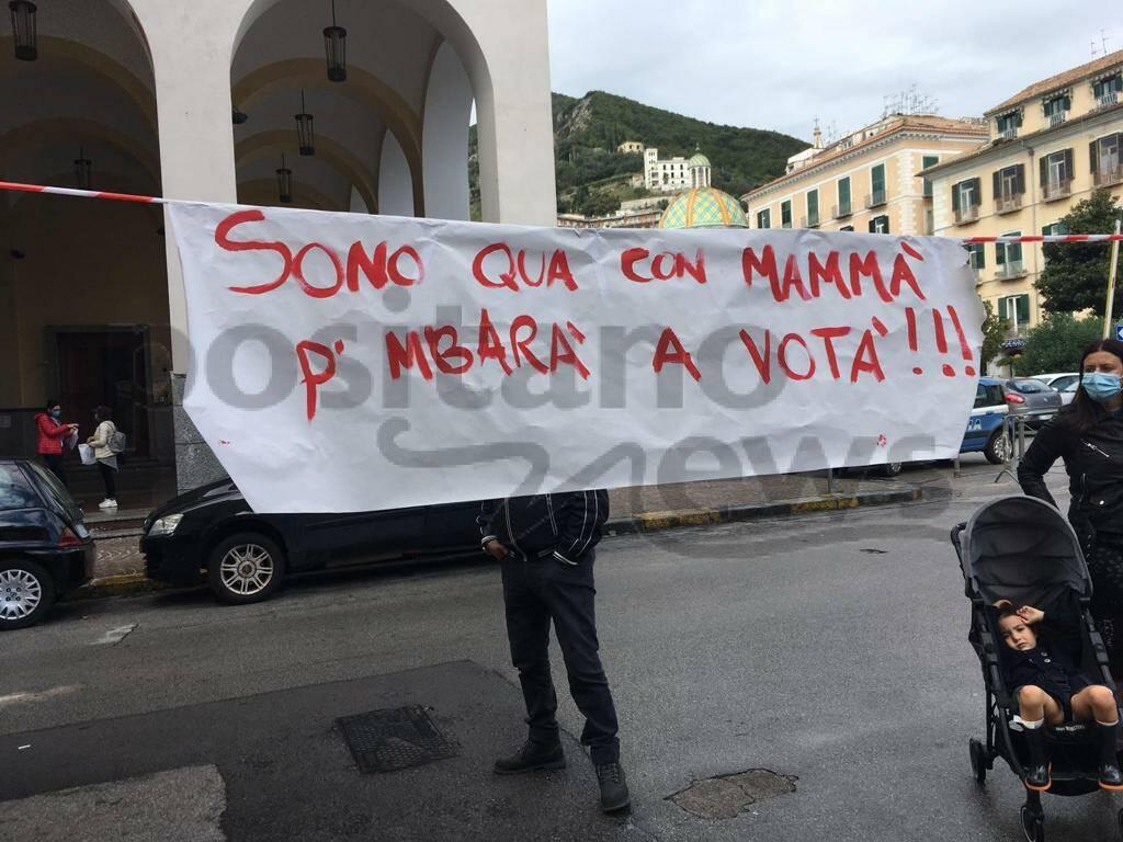Salerno, genitori in protesta contro la chiusura scuole