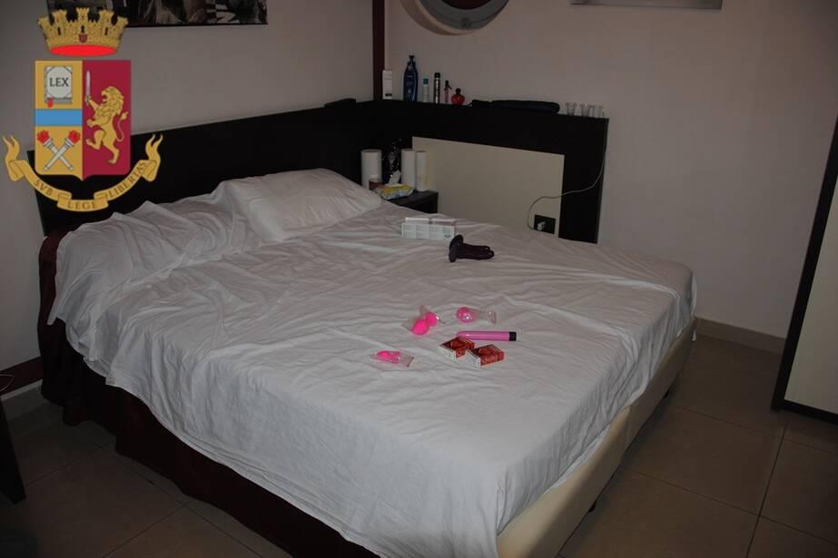 Salerno. Sequestrato un bed and breakfast: denunciato il titolare per favoreggiamento della prostituzione