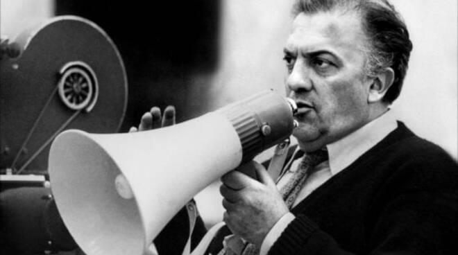 Vico Equense. Arriva la mostra fotografica 'Federico Fellini, 100 anni del genio del cinema italiano'