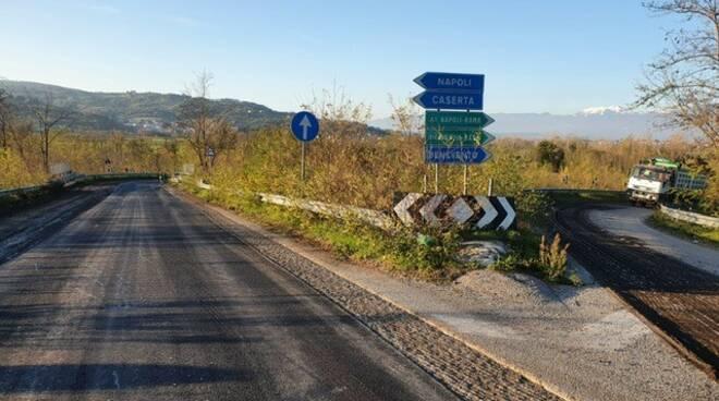 """Campania, Anas: avanzano i lavori di nuova pavimentazione lungo la ss265/var """"Fondo Valle Isclero"""" tra Benevento e Caserta"""
