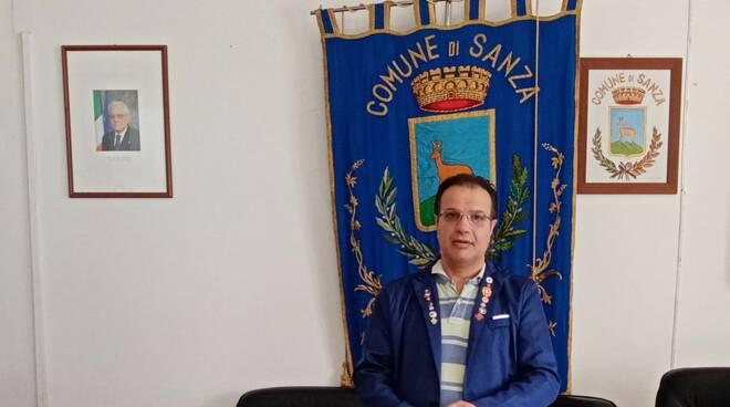 ASL Salerno: l'ospedale di Sapri tutela infermieri che fanno uso dei camici medici partendo dalla Direzione Sanitaria e ufficio infermieristico fino ai reparti e servizi