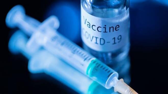 Pfizer all\'EMA per il via libera mentre in Cina è stato inoculato il primo vaccino a un milione di cavie