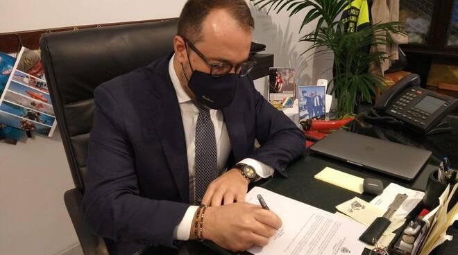 """Castellammare di Stabia, il sindaco: """"Ho chiesto che venga istituita la zona rossa e più risorse per pattugliare le strade"""""""