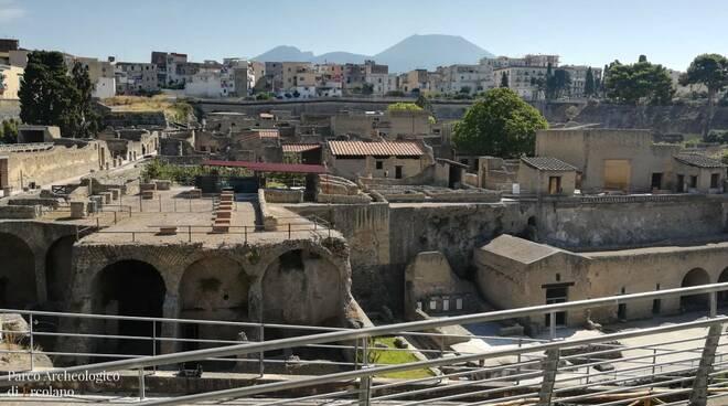 Continua l'esplosione social del Parco Archeologico di Ercolano: anche la seconda chiusura si avvia a diventare un successo mediatico