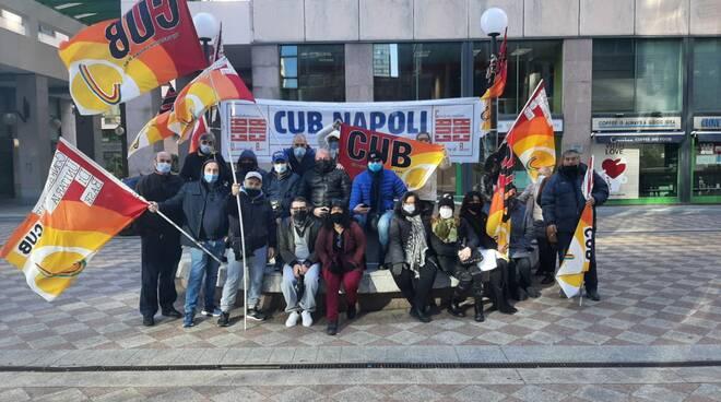FLAICA CUB NAPOLI: Manifestazione davanti alla sede Telecom
