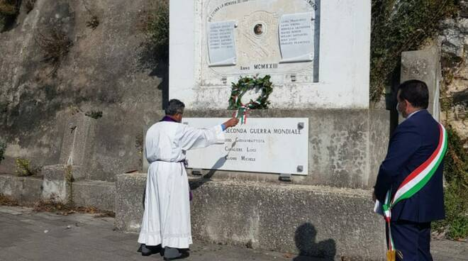 Furore onora il 4 novembre ed I Morti