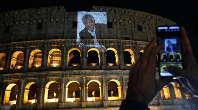 Gigi Proietti la foto al Campidoglio