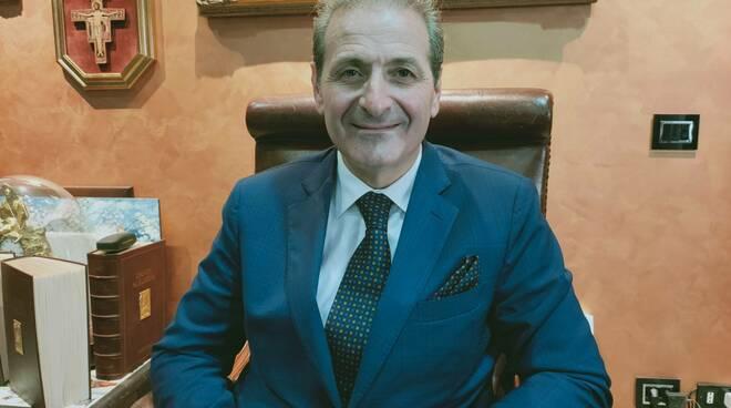 L'avvocato Michele Sarno chiede le dimissioni del DG del Ruggi di Salerno